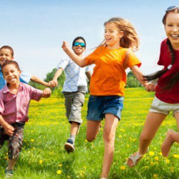 Kinderspiele: Aktiv und Essen Spiele für Kindergeburtstag